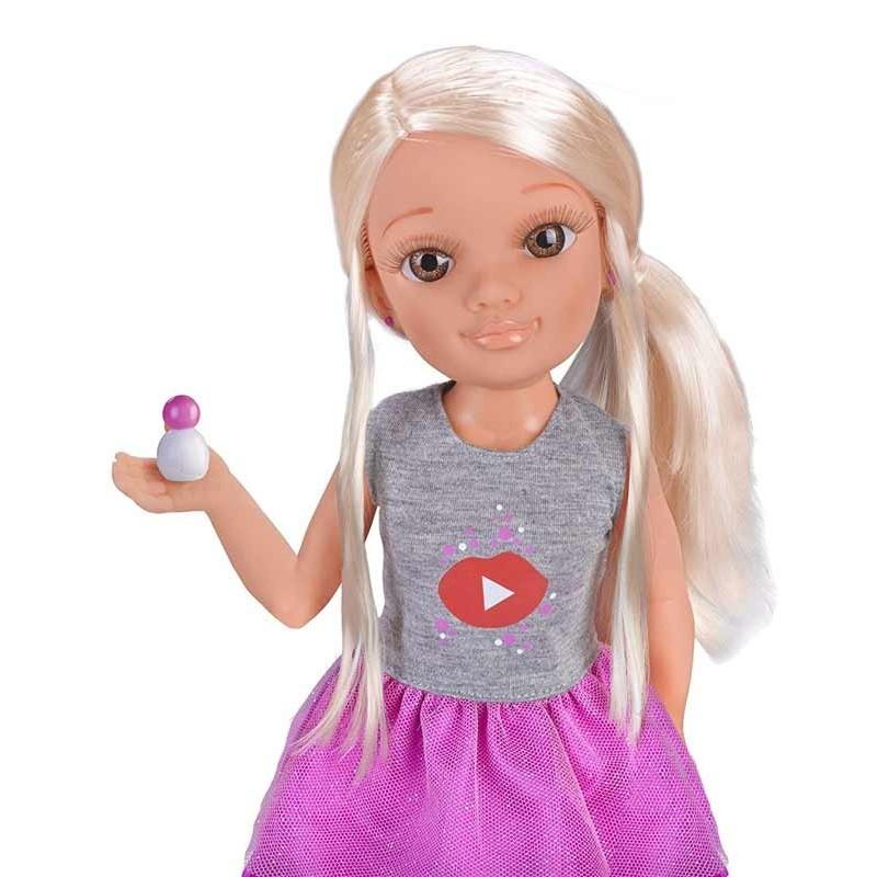 Nancy un Día como Youtuber
